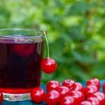cherry-juice-and-cherries